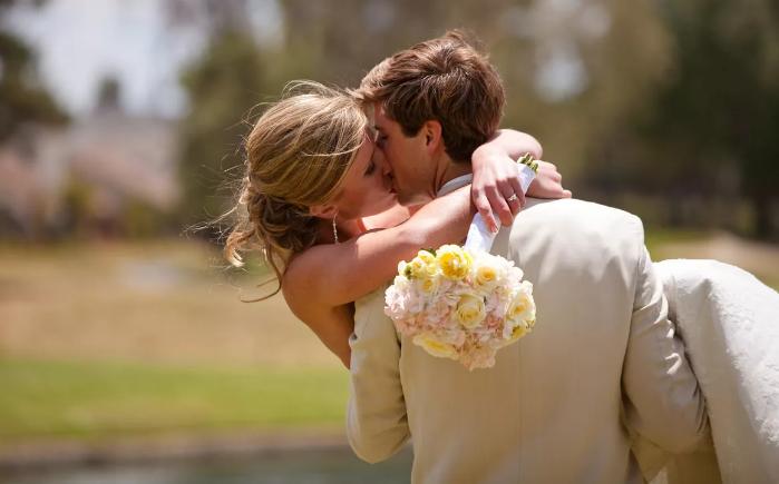поздравление со свадьбой молодоженам