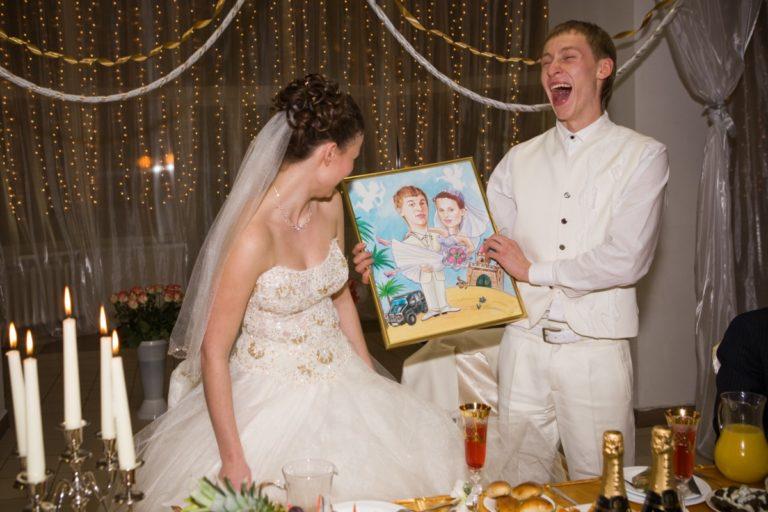 Оригинальные подарки на свадьбу молодоженам с