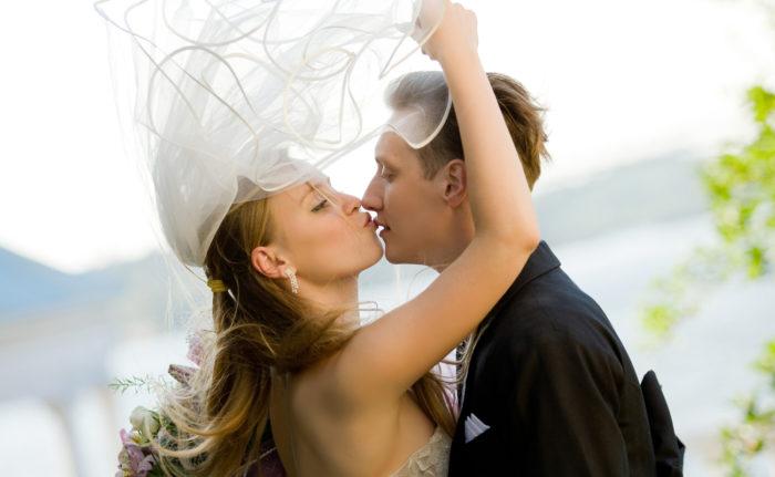 поцелуй невесты