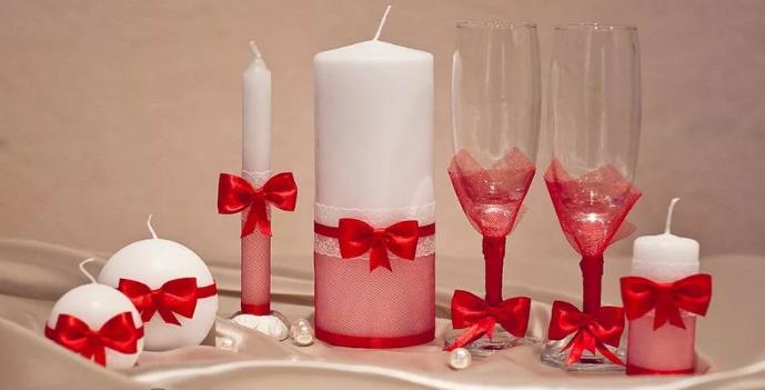 Украшение свечей лентами