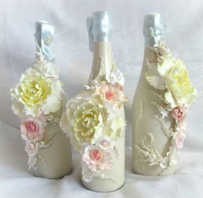Цветы на бутылках из полимерной глины