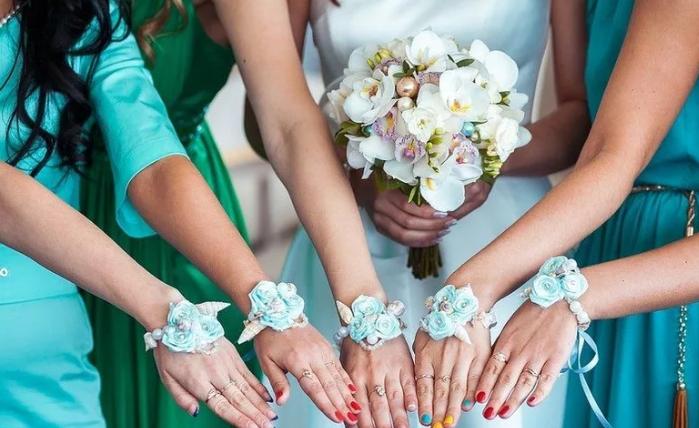 Бутоньерка на руку невесте