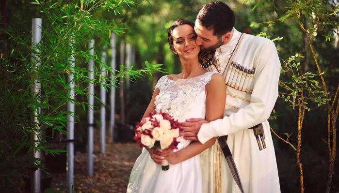 поцелуй жениха в Грузии
