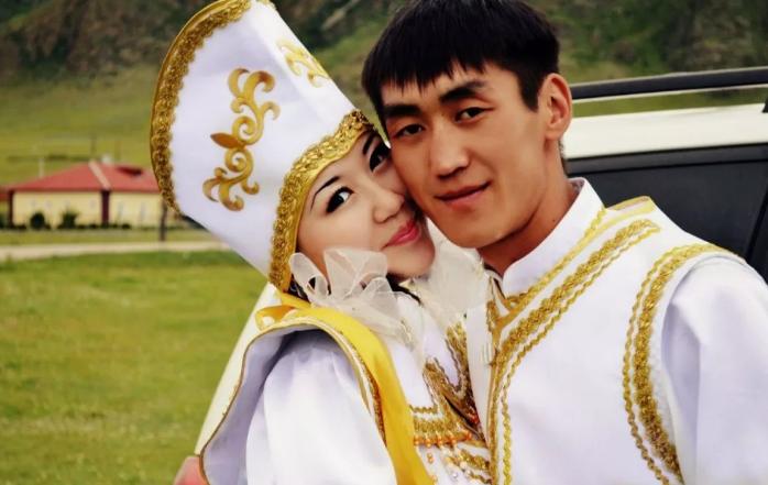 жених и невеста на Алтае
