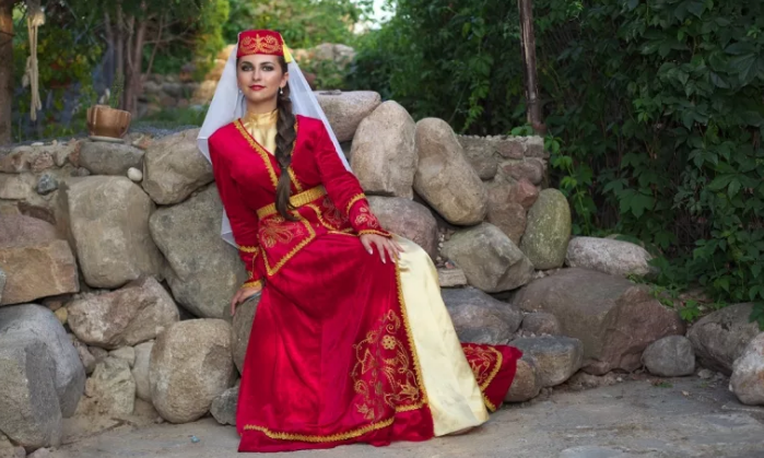 невеста в парке Карачаево-Черкесии
