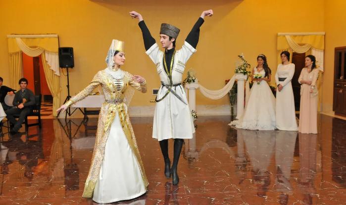 народные танцы в Карачаево-Черкесии