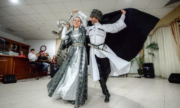 кавказские танцы на свадьбе