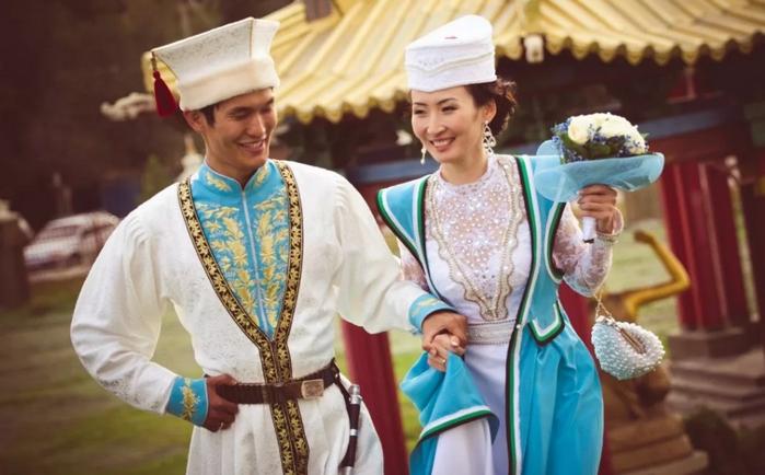 жених и невеста в Калмыкии
