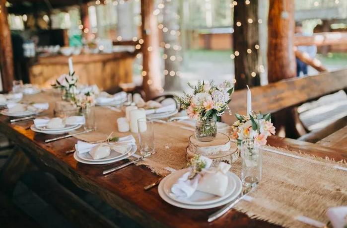 свадебный стол гостей