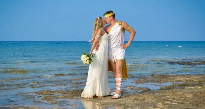 жених и невеста в греческом стиле