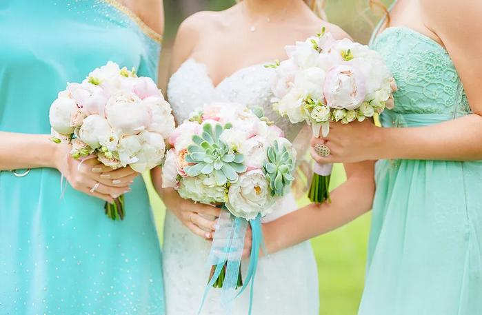 букет невесты и подружек