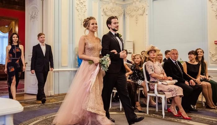 вход жениха и невесты