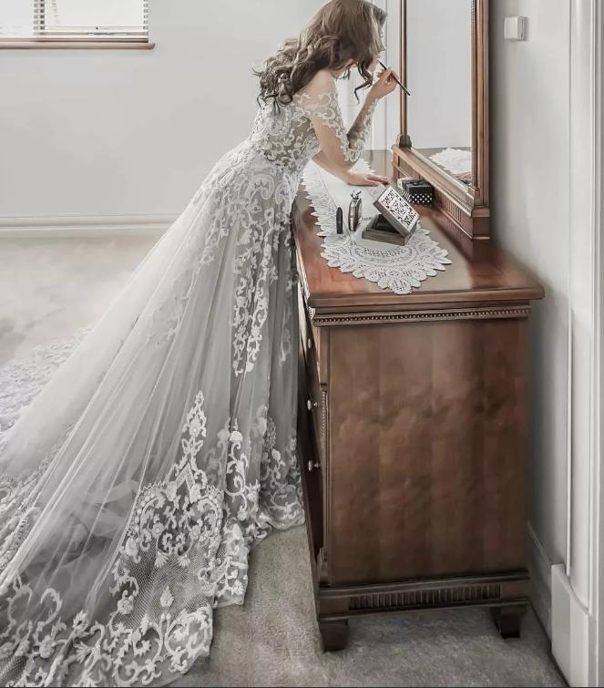 невеста в серебряном платье