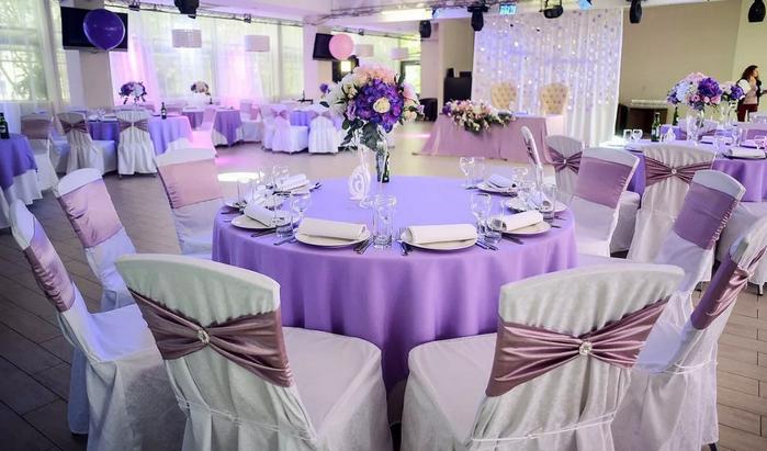 стол в фиолетовых оттенках