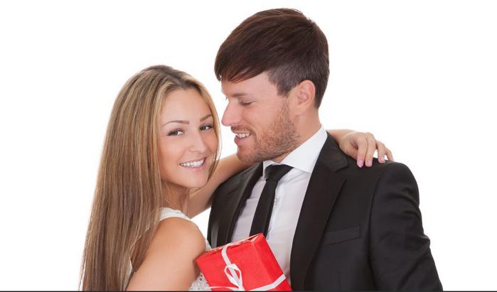 подарить подарок жене