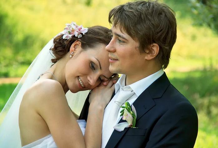 со свадьбой другу