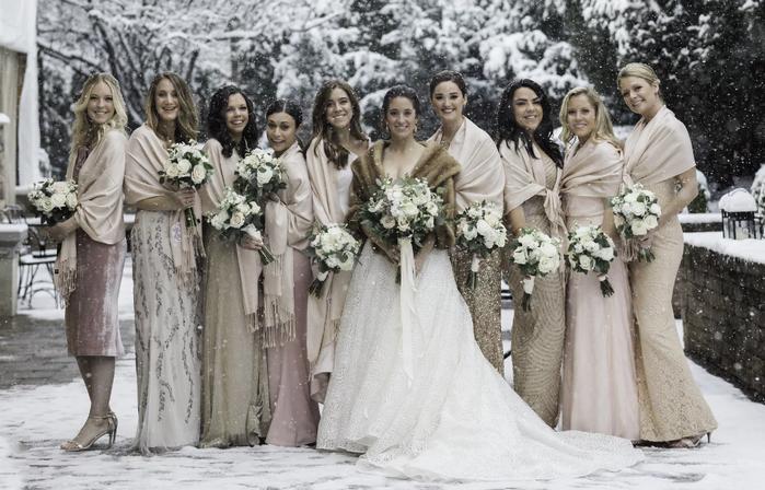 в чем пойти на свадьбу женщине