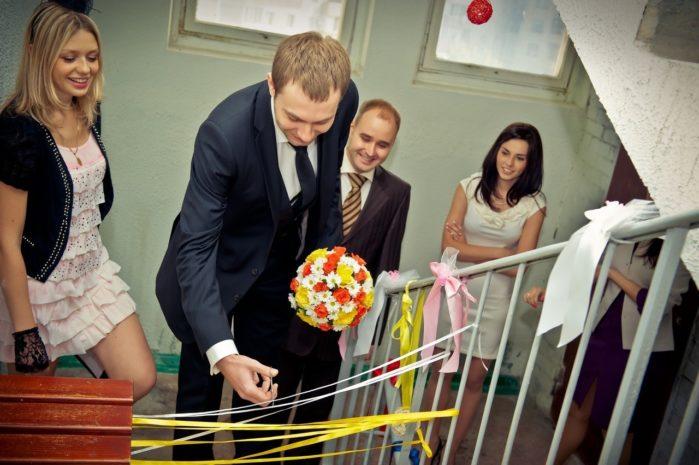 Выкуп невесты в многоэтажном доме: как организовать